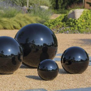 Esfera-jardin-decorativa-inox-negro.